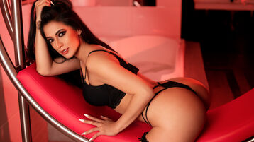 Show fierbinte la webcam MilaFoxx  – Fata pe Jasmin