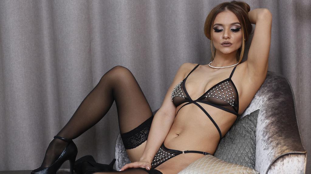 Naomi94's hot webcam show – Girl on LiveJasmin