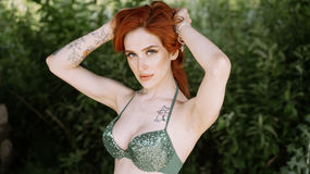 JuliFox's hot webcam show – Girl on LiveJasmin
