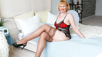 JuicyPussyShow's hot webcam show – Mature Woman on Jasmin