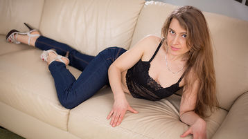 LaraSingers hot webcam show – Pige på Jasmin