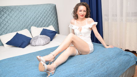 DivineEvelin's profile picture – Mature Woman on LiveJasmin
