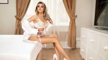 Show fierbinte la webcam BriannaDice  – Fata pe Jasmin