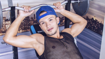 WillyRoiz | LiveJasmin