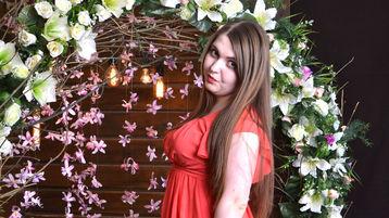Show fierbinte la webcam VivianScotty  – Fata pe Jasmin