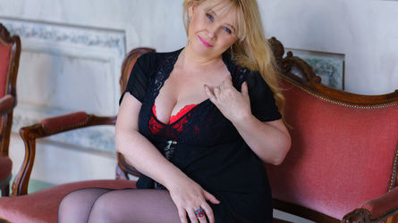 MilfberryRose's profile picture – Mature Woman on LiveJasmin