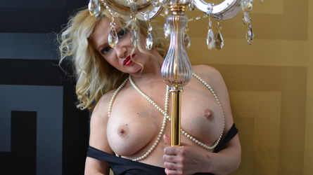 CrystalBrightly's profile picture – Mature Woman on LiveJasmin