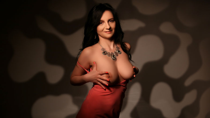 MadameAlexaX's profile picture – Mature Woman on LiveJasmin