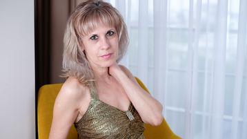 BlondeSweetLady のホットなウェブカムショー – Jasminの熟女