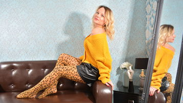 Naughtyblondywow's hot webcam show – Mature Woman on Jasmin