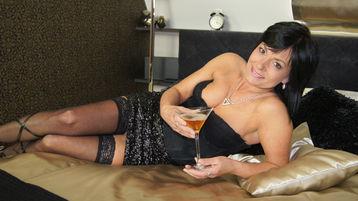 горячее шоу перед веб камерой CrystalBlack2 – Зрелая Женщина на Jasmin