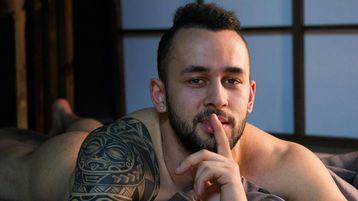 Show quente na webcam de PabloE – Rapaz para Elas em Jasmin