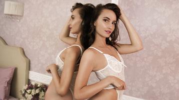Show fierbinte la webcam CharmingViviana  – Fata pe Jasmin