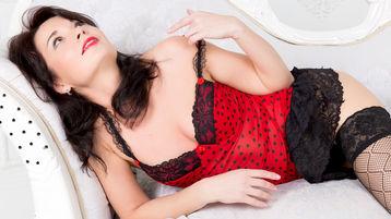 PetitMilfy2 show caliente en cámara web – Mujer Madura en Jasmin