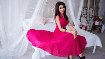 Show fierbinte la webcam LuxyryGirl  – Fata pe Jasmin