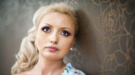 2AMAZINGTITS's profile picture – Mature Woman on LiveJasmin