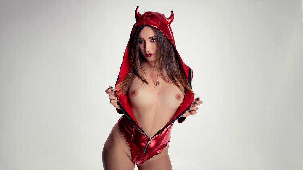 MIaCaden's hot webcam show – Girl on LiveJasmin