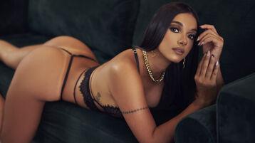 Show fierbinte la webcam MollyA  – Fata pe Jasmin