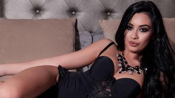 Show-ul fierbinte al lui KarlaDesireX – Fata pe Jasmin