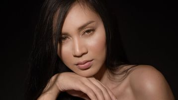 Show fierbinte la webcam AmiaStarX  – Fata pe Jasmin