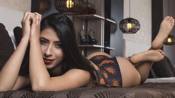 Show fierbinte la webcam JamiePower  – Fata pe Jasmin