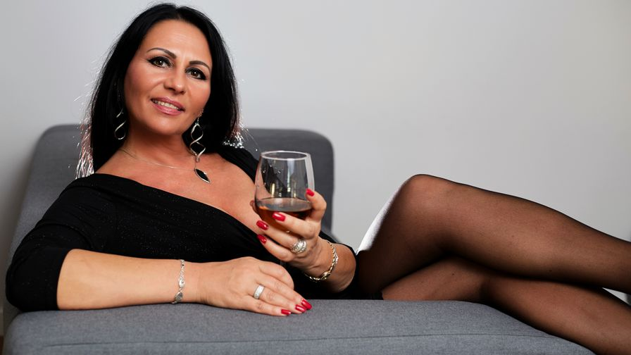 AgatheKiss's profile picture – Mature Woman on LiveJasmin