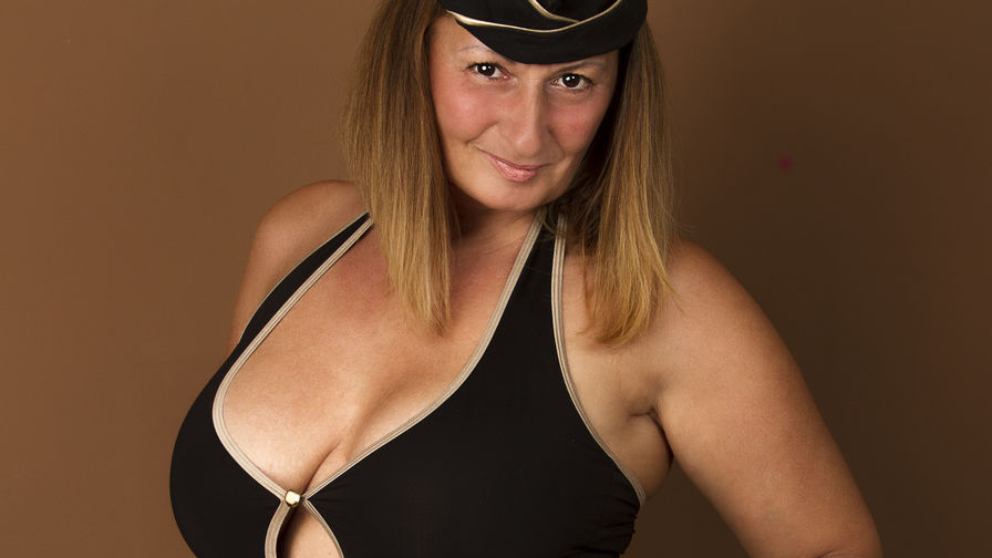 BadMumErica's profile picture – Mature Woman on LiveJasmin