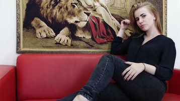 HollyRomoss hete nettkamera show – Het flirt på Jasmin