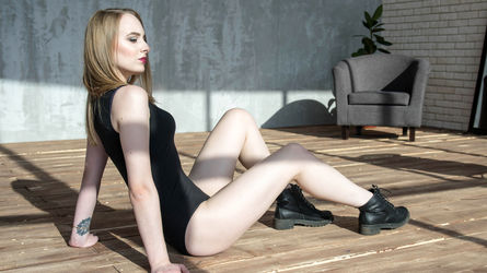 LittleSweetBB's profile picture – Girl on LiveJasmin