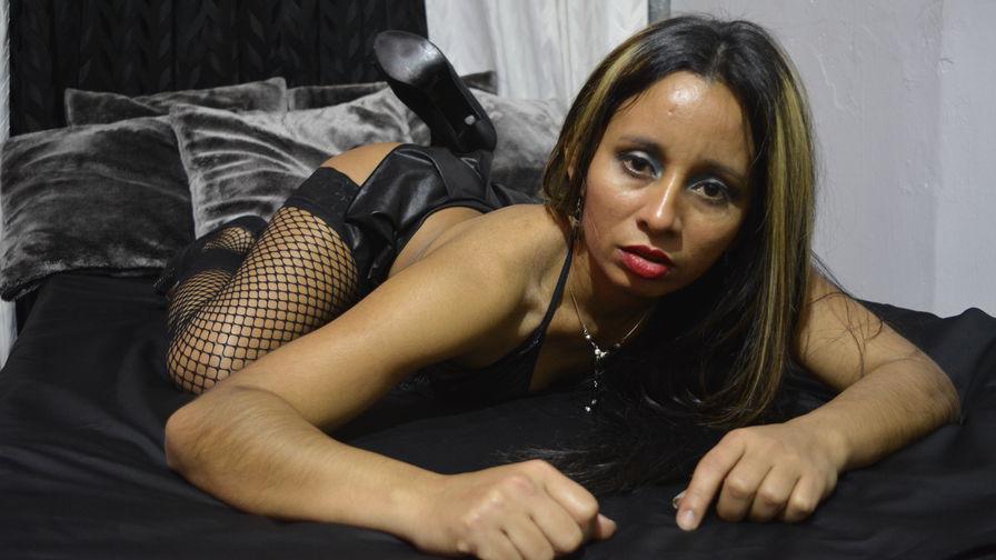 Sabrinasubmissのプロフィール画像 – LiveJasminのフェチ女カテゴリー