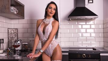 Show fierbinte la webcam EveVonDee  – Fata pe Jasmin