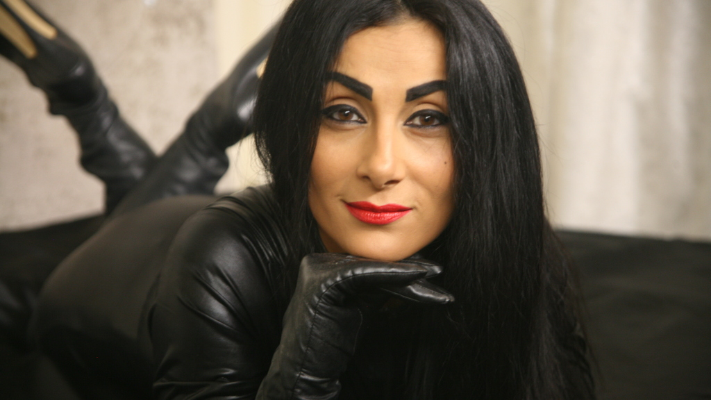 Free Chat With Latex Goddesses And Obedient Slaves On -2663