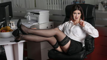 Show fierbinte la webcam NorraConner  – Fata pe Jasmin