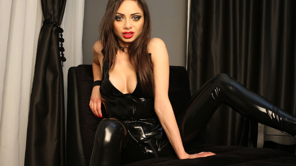 VeronicaQuinn's hot webcam show – Girl on LiveJasmin