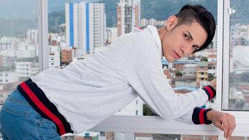 TommBigger's hot webcam show – Boy on boy on Jasmin