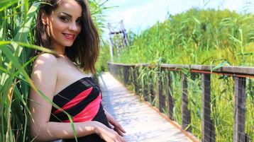 Show fierbinte la webcam VivienKitty  – Fata pe Jasmin