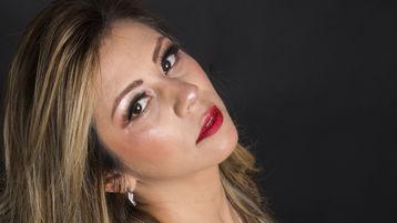 Show fierbinte la webcam CloeShyne  – Femeie Matura pe Jasmin