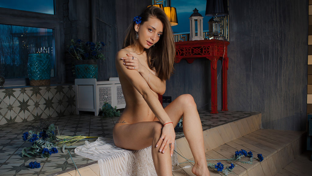 ZafiraLorens's hot webcam show – Girl on LiveJasmin