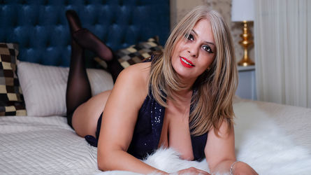 HotBlondQueenX's profile picture – Mature Woman on LiveJasmin