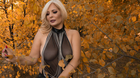 SweetBlondeMLF's profile picture – Mature Woman on LiveJasmin