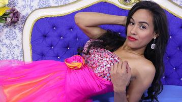 горячее шоу перед веб камерой InnocentJulieta – Девушки на Jasmin