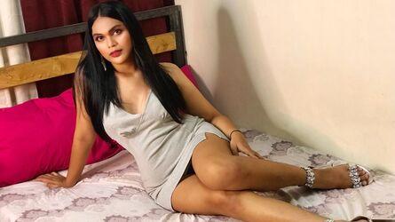 MaeAlvarez
