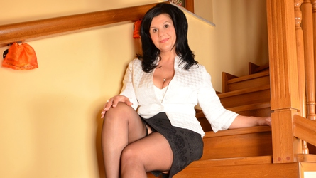 burningcarla73's profile picture – Mature Woman on LiveJasmin