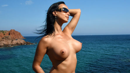 m00nshine's profile picture – Girl on LiveJasmin