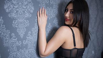 Sexy show su webcam di SarahxLove – Donna su Jasmin