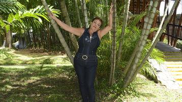 Show fierbinte la webcam rosamaturex  – Femeie Matura pe Jasmin