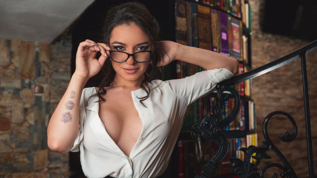 AdorableVicky's hot webcam show – Girl on LiveJasmin