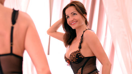 AmilyaDawson's profile picture – Mature Woman on LiveJasmin