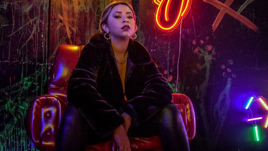 Show caliente de webcam de FranchezcaCaruso – Chicas en LiveJasmin