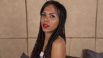 Show fierbinte la webcam halliecherry  – Fata pe Jasmin
